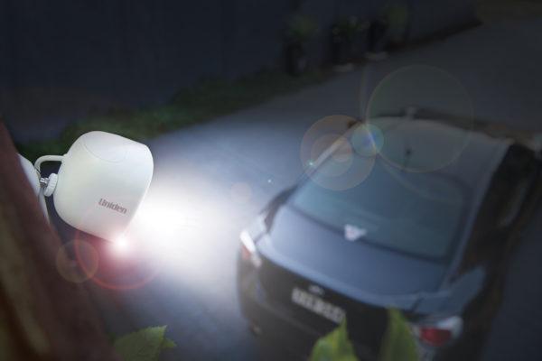 App Cam XLIGHT overlooking driveway